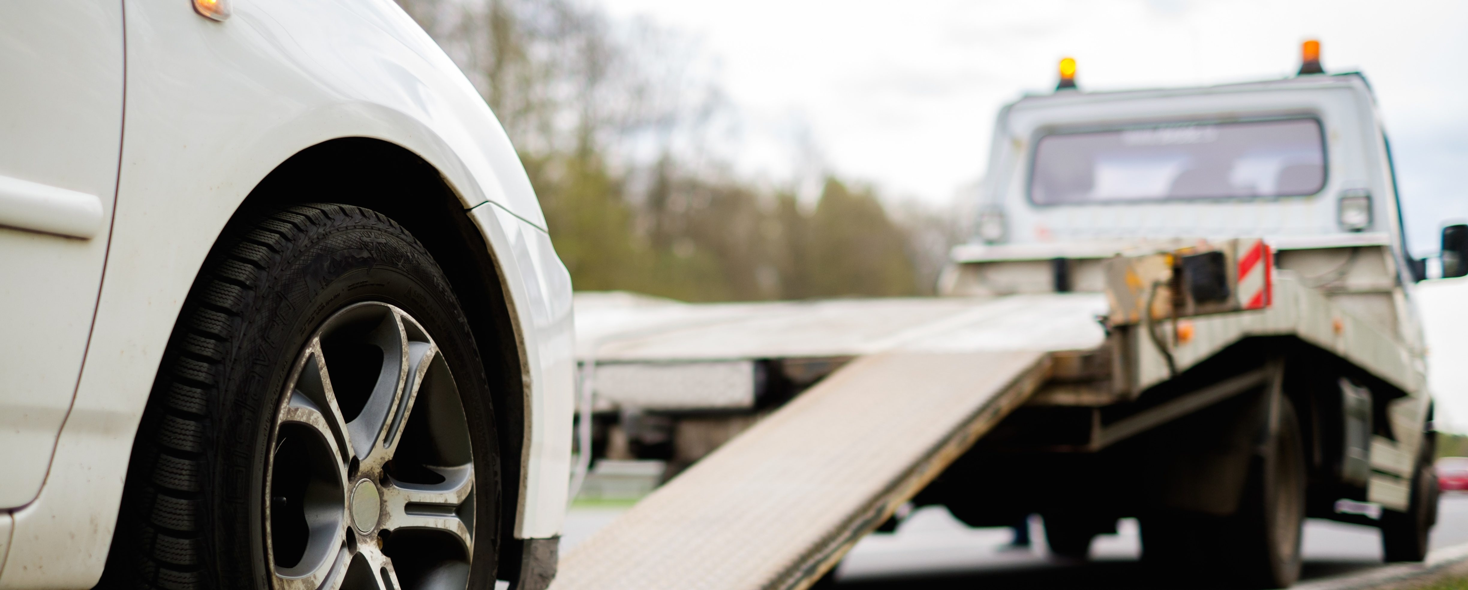 Towing indianapolis ray skillman westside collision center for Plaza motors collision center